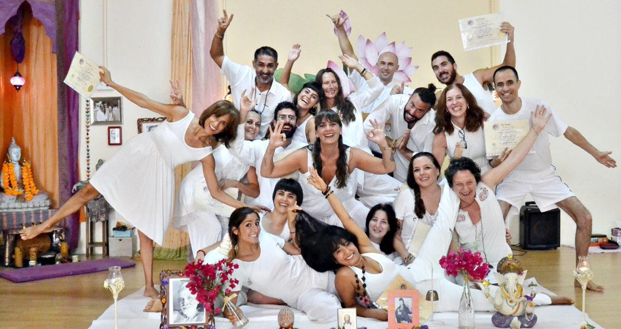 Curso intensivo Formacion Profesores de Yoga en agosto