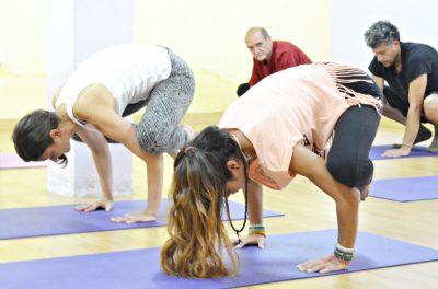 Práctica y disciplina en yoga